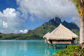 VIP Escort Service in der teuersten Urlaubsregion der Welt! Bora Bora und sexy Escort Models in knappen Bikinis gehören einfach zusammen.