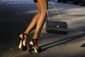 Ideale Geschenkidee für Ihr Escort Date – DIE Handtasche von Chanel