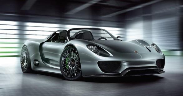 Der Hybrid-Sportwagen Porsche 918 Spyder und unser VIP Escort Service in Stuttgart repräsentieren elitären Hochgenuss made in Germany.