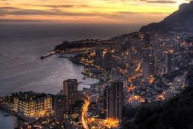 Genießen Sie die Côte d'Azur - das teuerste Urlaubsdomizil der Superreichen. Da passt unser VIP Escortservice ideal ins Bild.