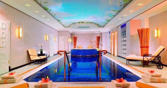 Das Luxushotel Ritz-Carlton in Berlin bietet das perfekte Setting, um unseren VIP Escort Service in Berlin in vollen Zügen zu genießen.