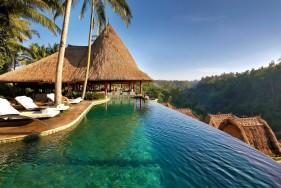 Bali wird in Begleitung Ihres wunderschönen Escort Models noch paradiesischer!