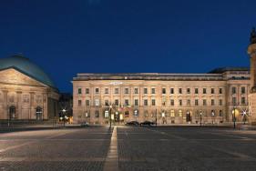 """Das Luxushotel """"Rocco Forte Hotel de Rome"""" und unser VIP Escort in Berlin sind wahre Gentlemen-Freuden."""