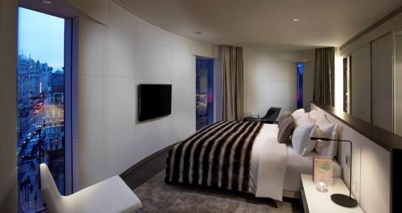 VIP Escort Service im Design Hotel ME London