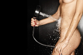 Erotische Dusche mit einem VIP Escort Girl!