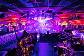 Mit 5* Escort in St. Tropez coolsten Hotel & Club
