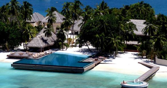 Ein Escort Urlaub der romantischsten Art in Huvafen Fushi Malediven