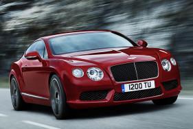 Lassen Sie doch Ihre heiße Escort Lady das Steuer übernehmen. Nach einer Fahrt im neuen Bentley Continental GT V8 S ist sie zu allem bereit ...