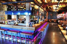 Der Harbour Club in Amsterdam – hier können Sie mit Ihrem sexy Escort Girl die Korken knallen lassen!
