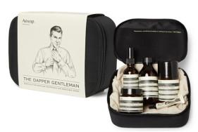 Das Aesop Grooming Kit von Mr Porter ist ideal, um sich für Ihr VIP Escort Date frisch zu machen.