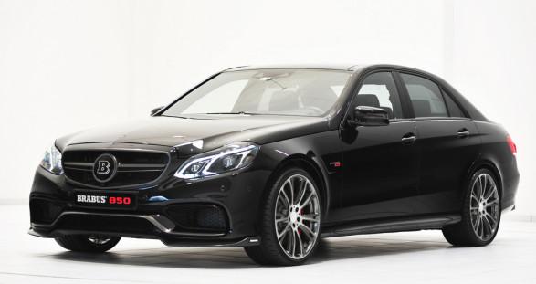 """Die weltweit schnellste Luxuslimousine """"Brabus iBusiness"""" – Ihr VIP Escort Model wird begeistert sein!"""