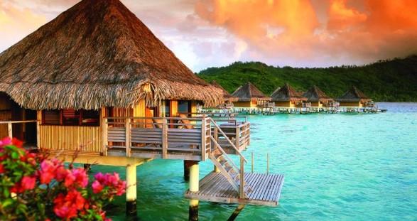 Tropische Sonnenuntergänge auf Fiji sind mit einem süßen Escort Girl noch mal so schön ...