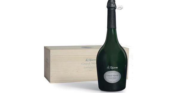 """Der Jubiläums-Champagner """"Les Réserves Grand Siècle"""" ist ebenso exklusiv, wie ein Date mit Ihrer VIP Escort Lady."""