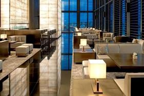Luxus Escortservice Mailand im Armani Hotel