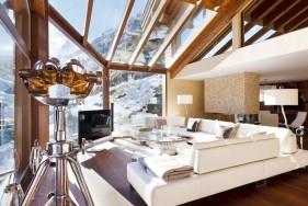 VIP Escort Service Zermatt im Luxus-Chalet