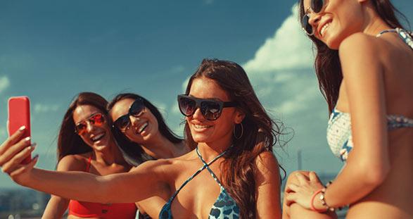 Escort Girls am Beach Club Nammos